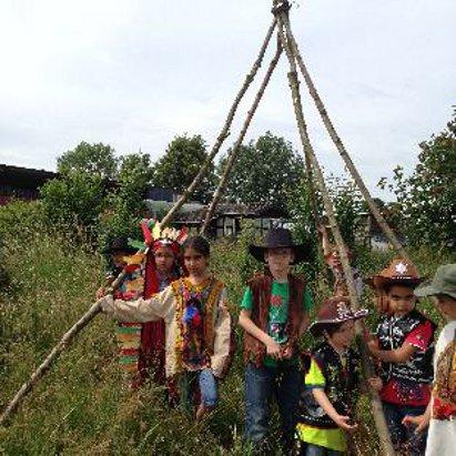 Kindergeburtstag cowboy und Indianer, Tippi bauen